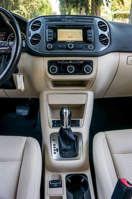 2012 Volkswagen Tiguan SE w/Sunroof  Nav Reseda, CA 21