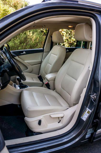 2012 Volkswagen Tiguan SE w/Sunroof  Nav Reseda, CA 29