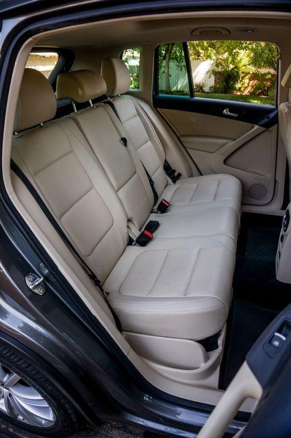 2012 Volkswagen Tiguan SE w/Sunroof  Nav Reseda, CA 32