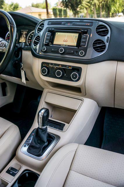 2012 Volkswagen Tiguan SE w/Sunroof  Nav Reseda, CA 20