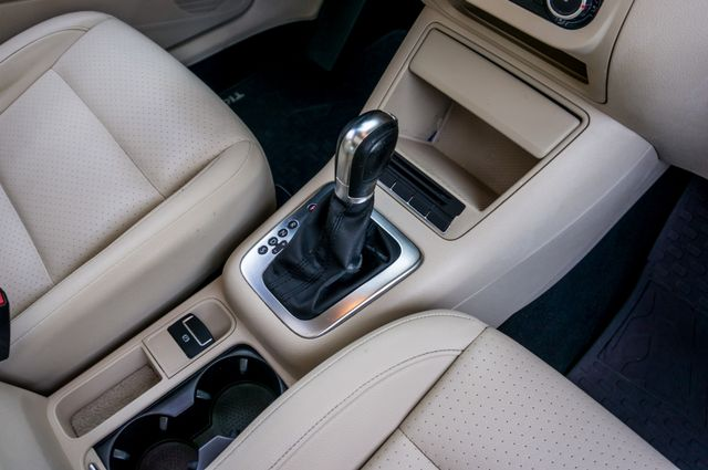 2012 Volkswagen Tiguan SE w/Sunroof  Nav Reseda, CA 26