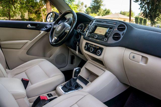 2012 Volkswagen Tiguan SE w/Sunroof  Nav Reseda, CA 33