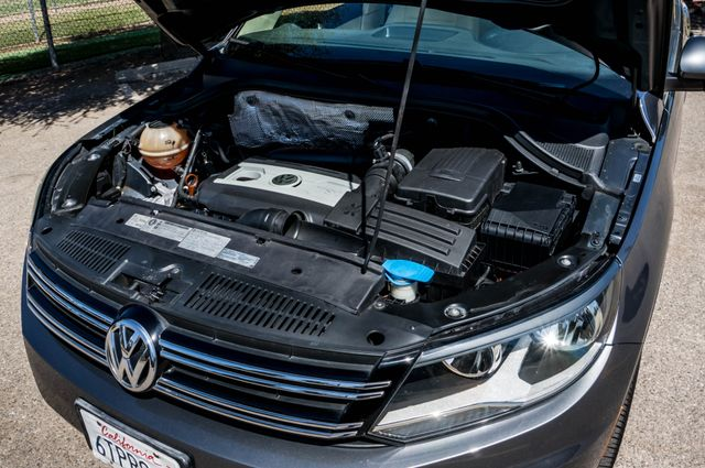 2012 Volkswagen Tiguan SE w/Sunroof  Nav Reseda, CA 37