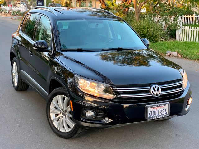 2012 Volkswagen TIGUAN SE NAVIGATION LEATHER PANORAMIC ROOF SERVICE RECORDS in Van Nuys, CA 91406