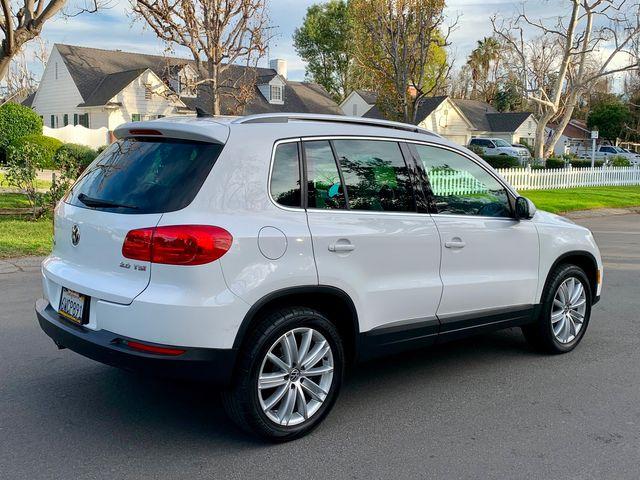 2012 Volkswagen TIGUAN SE NAVIGATION SUNROOF 1-OWNER NEW TIRES SERVICE RECORDS in Van Nuys, CA 91406