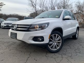 2012 Volkswagen Tiguan SE w/Sunroof &38; Nav in Sterling, VA 20166