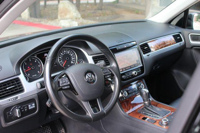 2012 Volkswagen Touareg Lux Austin , Texas 9