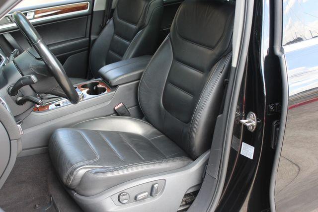 2012 Volkswagen Touareg Lux Austin , Texas 11