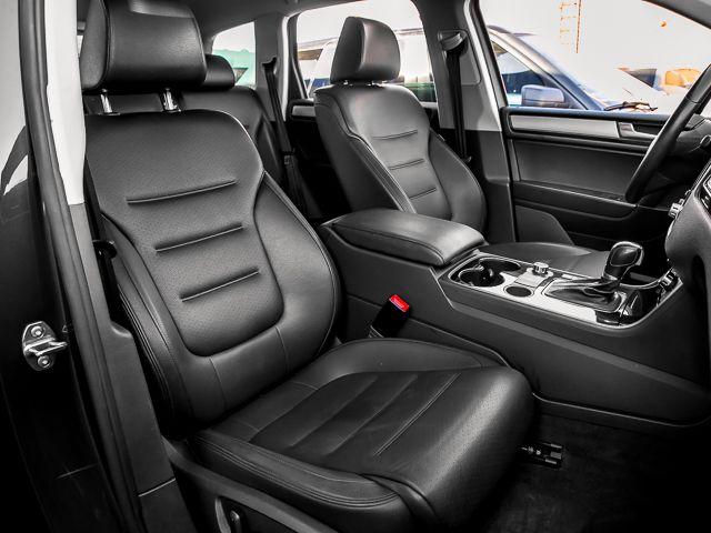 2012 Volkswagen Touareg Sport w/Nav Burbank, CA 12