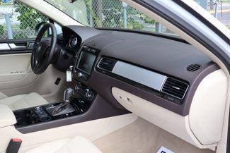 2012 Volkswagen Touareg Sport w/Nav Hollywood, Florida 26