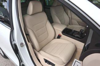 2012 Volkswagen Touareg Sport w/Nav Hollywood, Florida 32