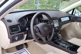 2012 Volkswagen Touareg Sport w/Nav Hollywood, Florida 14
