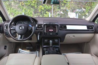 2012 Volkswagen Touareg Sport w/Nav Hollywood, Florida 25