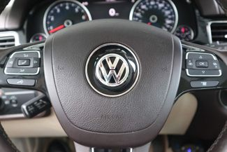 2012 Volkswagen Touareg Sport w/Nav Hollywood, Florida 17