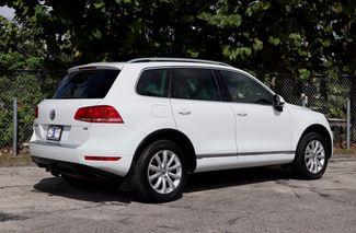 2012 Volkswagen Touareg Sport w/Nav Hollywood, Florida 4