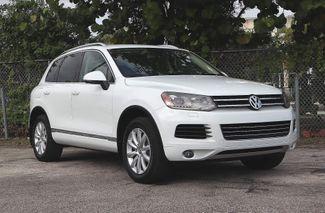 2012 Volkswagen Touareg Sport w/Nav Hollywood, Florida 1