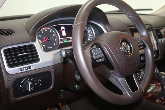 2012 Volkswagen Touareg HYBRID Houston, Texas 28