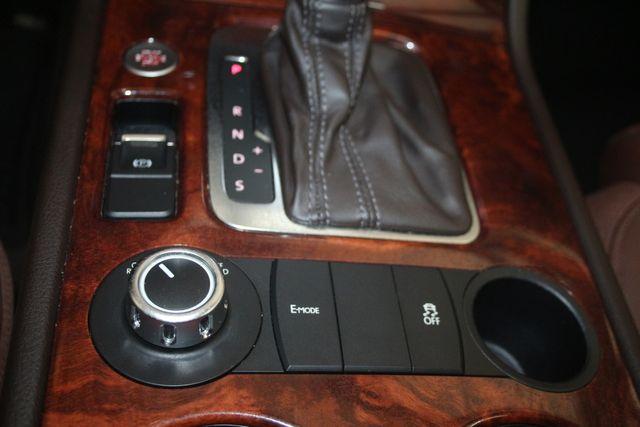 2012 Volkswagen Touareg HYBRID Houston, Texas 30