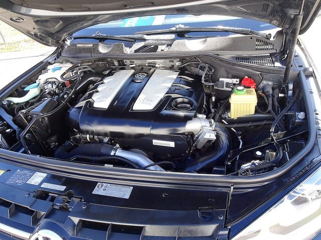 2012 Volkswagen Touareg Lux Madison, NC 51