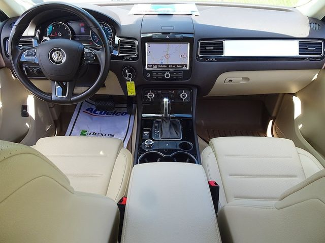 2012 Volkswagen Touareg Sport w/Nav Madison, NC 38