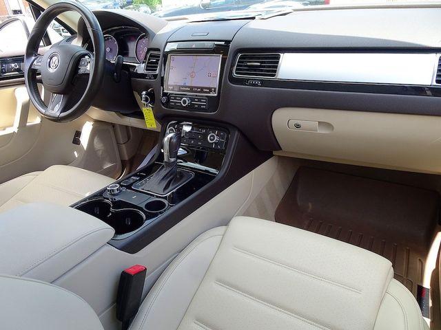 2012 Volkswagen Touareg Sport w/Nav Madison, NC 40