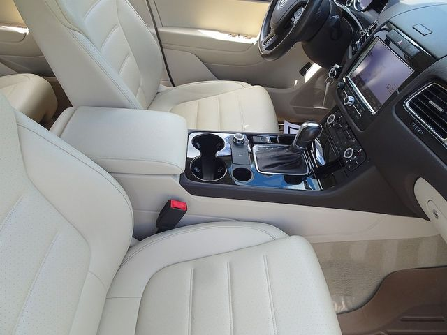 2012 Volkswagen Touareg Sport w/Nav Madison, NC 44
