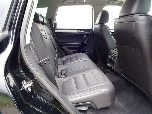 2012 Volkswagen Touareg Sport Madison, NC 31