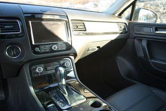 2012 Volkswagen Touareg TDI Sport Naugatuck, Connecticut 19