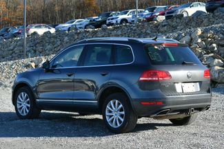 2012 Volkswagen Touareg TDI Sport Naugatuck, Connecticut 2