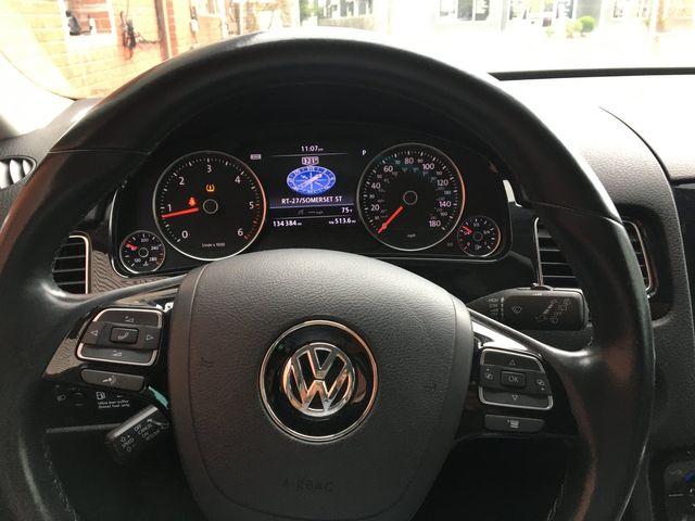 2012 Volkswagen Touareg Sport w/Nav New Brunswick, New Jersey 14