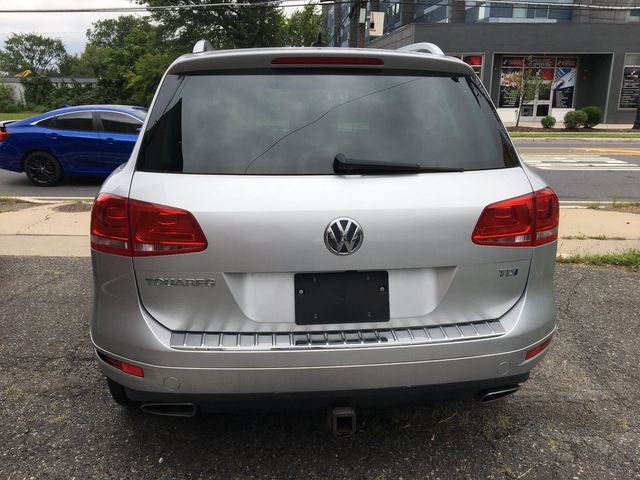 2012 Volkswagen Touareg Sport w/Nav New Brunswick, New Jersey 8