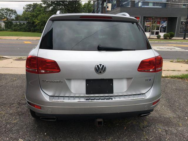 2012 Volkswagen Touareg Sport w/Nav New Brunswick, New Jersey 7