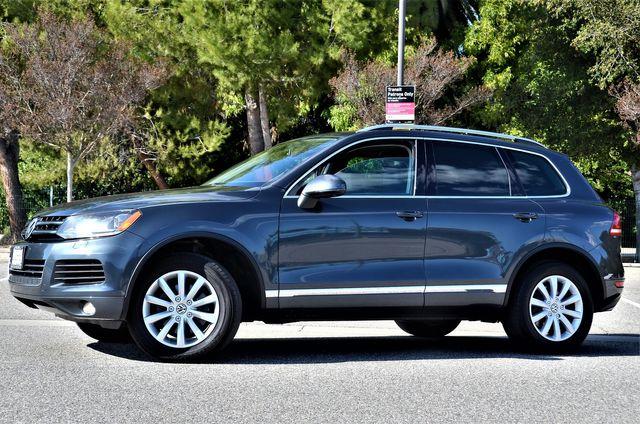 2012 Volkswagen Touareg Sport w/Nav in Reseda, CA, CA 91335