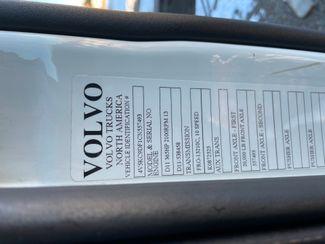 2012 Volvo VHD Hoosick Falls, New York 5