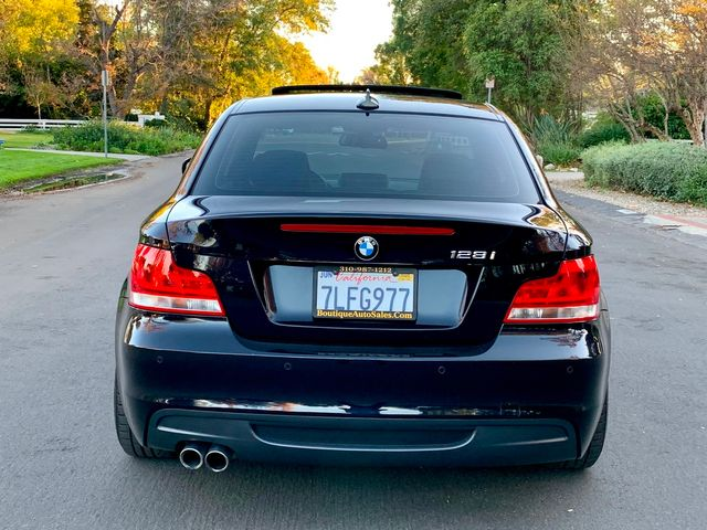 2013 BMW 128i SPORTS PKG NAVIGATION MANUAL SERVICE RECORDS NEW TIRES in Van Nuys, CA 91406