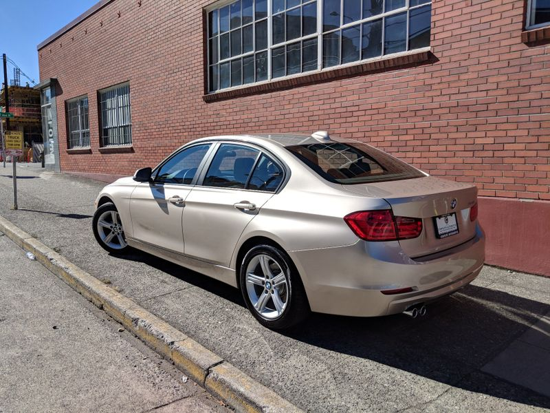 2013 BMW 328i Premium Package Moonroof Heated Leather Power Seats Comfort Access Just Traded In ON SALE   city Washington  Complete Automotive  in Seattle, Washington