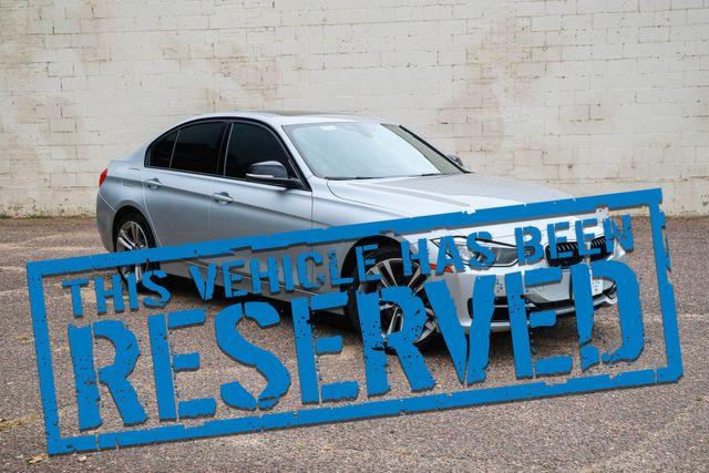 2013 BMW 328xi xDrive AWD w/Sport Pkg, Nav, Heated Seats, Moonroof, BT Audio & Gets 33MPG