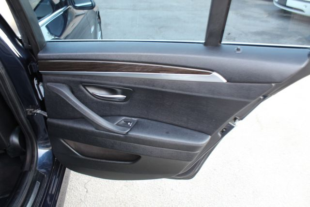 2013 BMW 528i ONE OWNER NAVIGATION PREMIUM PKG in Woodland Hills CA, 91367
