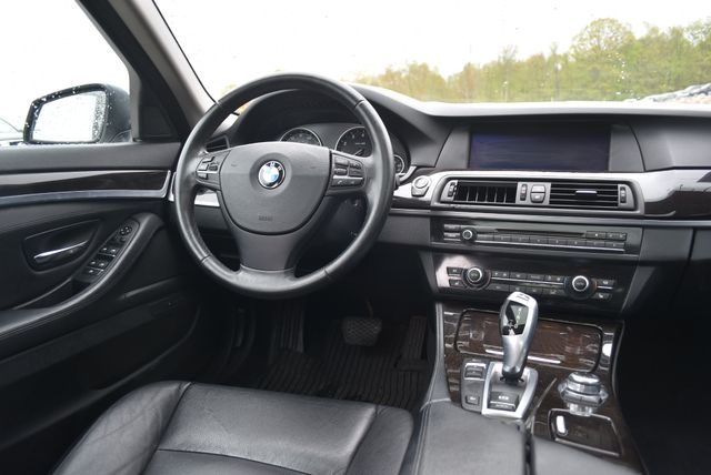 2013 BMW 528i xDrive Naugatuck, Connecticut 13