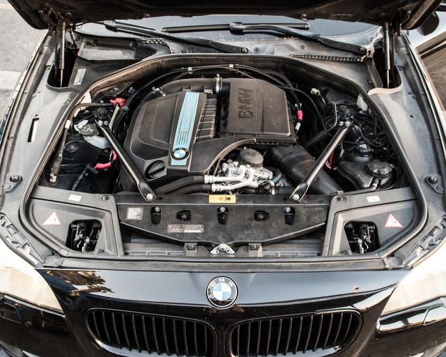 2013 BMW ActiveHybrid 5 Burbank, CA 28