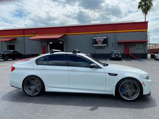2013 BMW M5 EXEC PKG CARBON FIBER 21s LOADED CARFAX CERT   Florida  Bayshore Automotive   in , Florida