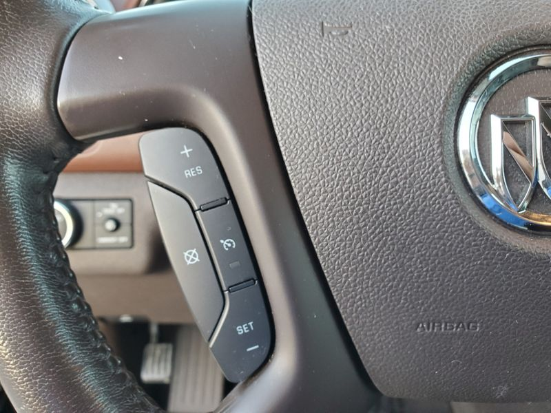 2013 Buick Enclave Leather  Brownsville TX  English Motors  in Brownsville, TX