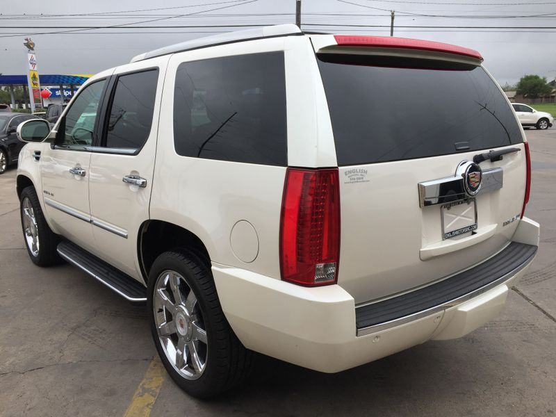 2013 Cadillac Escalade Luxury  Brownsville TX  English Motors  in Brownsville, TX