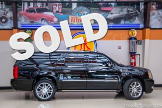 2013 Cadillac Escalade ESV Platinum Edition in Addison, Texas 75001