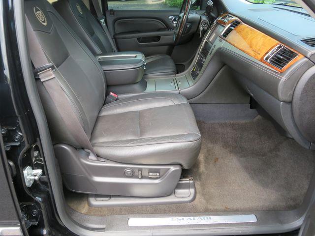 2013 Cadillac Escalade ESV Platinum Edition Batesville, Mississippi 38