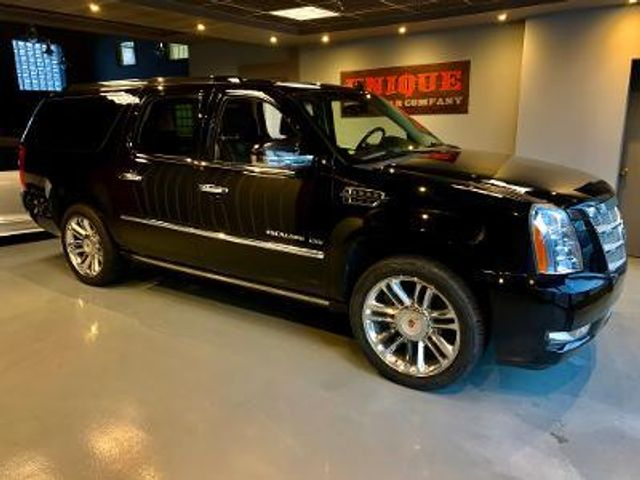 2013 Cadillac Escalade ESV Platinum Edition in , Pennsylvania 15017