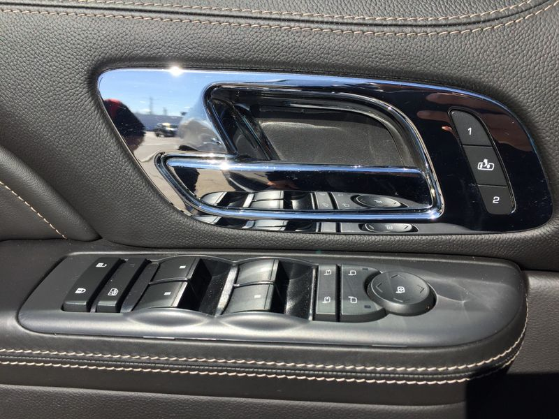2013 Cadillac Escalade ESV Platinum Edition  Brownsville TX  English Motors  in Brownsville, TX