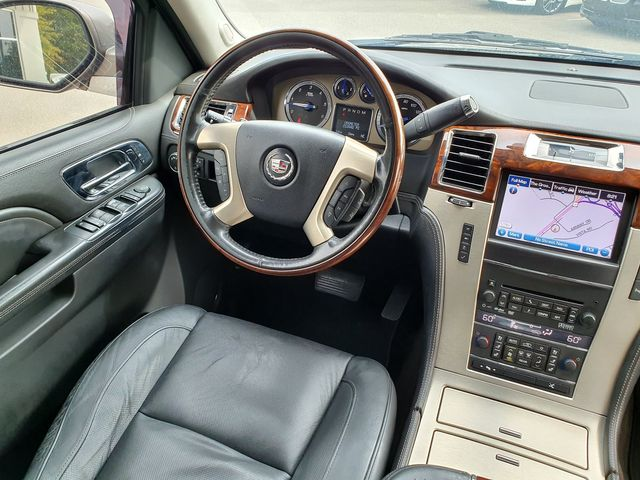 2013 Cadillac Escalade ESV Platinum Edition AWD in Louisville, TN 37777