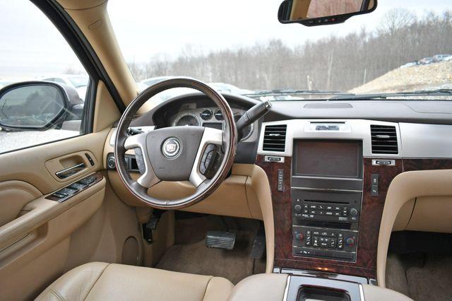 2013 Cadillac Escalade ESV Luxury Naugatuck, Connecticut 17