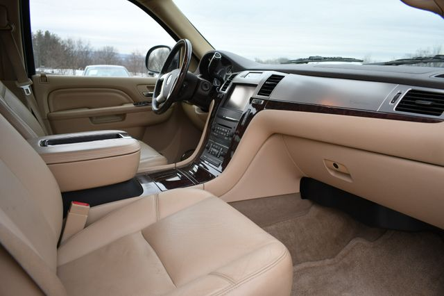 2013 Cadillac Escalade ESV Luxury Naugatuck, Connecticut 8